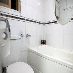 Отель Moons Hostel Южная Корея, Сеул - 2 отзыва об отеле, цены и фото номеров - забронировать отель Moons Hostel онлайн ванная фото 2