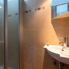 Отель Duplex 3-bedrooms Laeken Brussels Expo Бельгия, Брюссель - отзывы, цены и фото номеров - забронировать отель Duplex 3-bedrooms Laeken Brussels Expo онлайн ванная