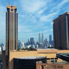 Отель Kl Bukit Bintang Suites At Times Square Малайзия, Куала-Лумпур - отзывы, цены и фото номеров - забронировать отель Kl Bukit Bintang Suites At Times Square онлайн балкон