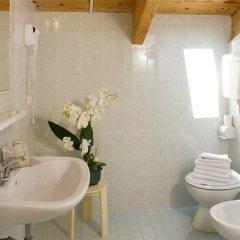 Отель Cannes Италия, Риччоне - отзывы, цены и фото номеров - забронировать отель Cannes онлайн ванная фото 2
