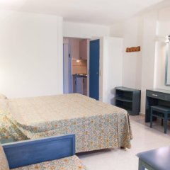 Отель Apartamentos Central City комната для гостей