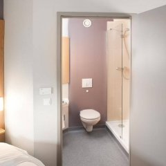 Отель B&B Wrocław Centrum Польша, Вроцлав - 1 отзыв об отеле, цены и фото номеров - забронировать отель B&B Wrocław Centrum онлайн ванная