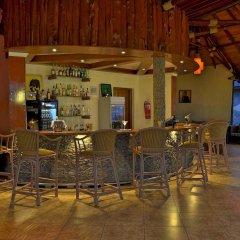 Отель Sentrim Elementaita Lodge Кения, Накуру - отзывы, цены и фото номеров - забронировать отель Sentrim Elementaita Lodge онлайн гостиничный бар