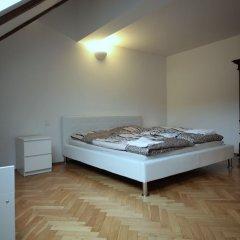 Апартаменты Generous Attic Apartment комната для гостей фото 4