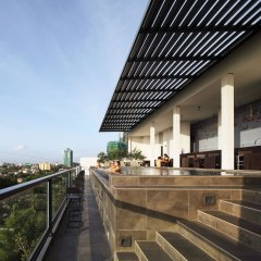 Отель ME Colombo балкон