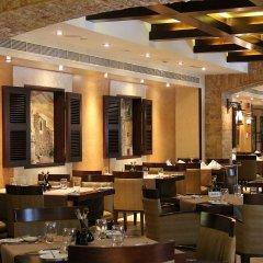 Отель Crowne Plaza Abu Dhabi питание фото 3