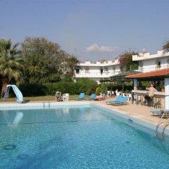Отель Gorgona бассейн