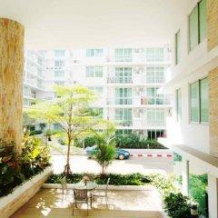 Отель Waterford Condominium Sukhumvit 50 Бангкок балкон