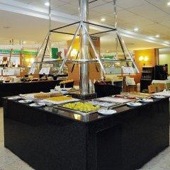 Отель Medplaya Hotel Calypso Испания, Салоу - отзывы, цены и фото номеров - забронировать отель Medplaya Hotel Calypso онлайн питание фото 2