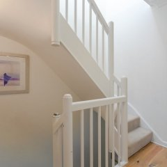 Отель 2 Bedroom House in Maida Vale With Balcony интерьер отеля
