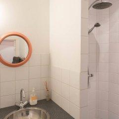 Отель Oud-West apartments - Da Costa area Нидерланды, Амстердам - отзывы, цены и фото номеров - забронировать отель Oud-West apartments - Da Costa area онлайн ванная