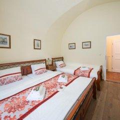 Отель Prague Loreta Residence Чехия, Прага - отзывы, цены и фото номеров - забронировать отель Prague Loreta Residence онлайн комната для гостей фото 4