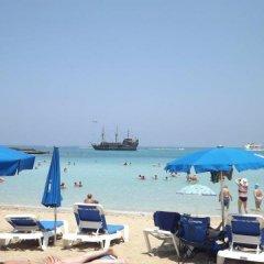 Отель Alva Hotel Apartments Кипр, Протарас - 3 отзыва об отеле, цены и фото номеров - забронировать отель Alva Hotel Apartments онлайн пляж фото 2