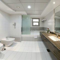 Отель Al Majaz Premiere Hotel Apartment ОАЭ, Шарджа - 1 отзыв об отеле, цены и фото номеров - забронировать отель Al Majaz Premiere Hotel Apartment онлайн ванная