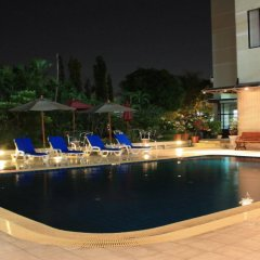 Отель Summit Pavilion Бангкок бассейн