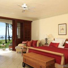 Отель La Pirogue A Sun Resort комната для гостей фото 2