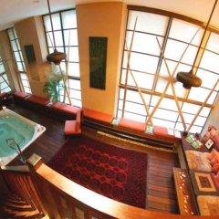 Отель Executive Hotel Cosmopolitan Toronto Канада, Торонто - отзывы, цены и фото номеров - забронировать отель Executive Hotel Cosmopolitan Toronto онлайн бассейн фото 2