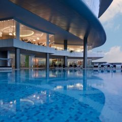 Jumeirah at Etihad Towers Hotel бассейн фото 2