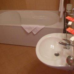 Отель Family Hotel Balkana Болгария, Боженци - отзывы, цены и фото номеров - забронировать отель Family Hotel Balkana онлайн ванная фото 2