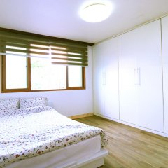 Отель Itaewon Backpackers комната для гостей