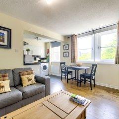 Отель Stunning Studio Apartment Castle View Великобритания, Эдинбург - отзывы, цены и фото номеров - забронировать отель Stunning Studio Apartment Castle View онлайн комната для гостей фото 5