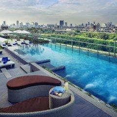 Отель Mercure Bangkok Makkasan бассейн фото 2