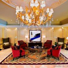 Отель Churchill Hotel Near Embassy Row США, Вашингтон - отзывы, цены и фото номеров - забронировать отель Churchill Hotel Near Embassy Row онлайн интерьер отеля фото 3