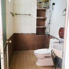 Отель Hai Cay Thong Homestay - Hostel Вьетнам, Далат - отзывы, цены и фото номеров - забронировать отель Hai Cay Thong Homestay - Hostel онлайн ванная
