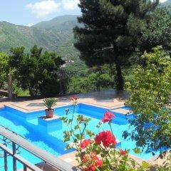 Отель Agriturismo La Casa Del Ghiro Пимонт бассейн