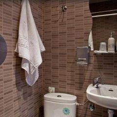 Отель Hostal Abel Victoriano Мадрид ванная