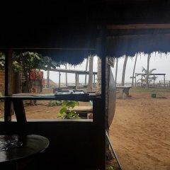 Отель Stumble Inn Eco Lodge Гана, Шама - отзывы, цены и фото номеров - забронировать отель Stumble Inn Eco Lodge онлайн пляж фото 2