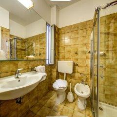 Отель Eurhotel Италия, Римини - отзывы, цены и фото номеров - забронировать отель Eurhotel онлайн ванная