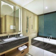 Отель DoubleTree by Hilton Resort & Spa Marjan Island 5* Стандартный номер с двуспальной кроватью фото 11