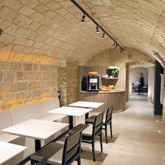 Отель Sure Hotel by Best Western Paris Gare du Nord Франция, Париж - 12 отзывов об отеле, цены и фото номеров - забронировать отель Sure Hotel by Best Western Paris Gare du Nord онлайн гостиничный бар