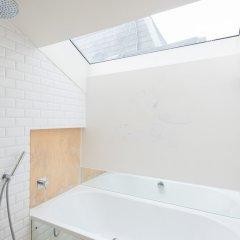 Отель The Notting Hill House - 4 Apartments Великобритания, Лондон - отзывы, цены и фото номеров - забронировать отель The Notting Hill House - 4 Apartments онлайн ванная