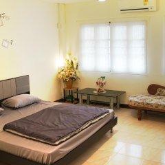 Wake Up Hostel Bangkok Бангкок комната для гостей