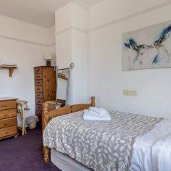 Отель 3 Bedroom House In Brighton With Garden Брайтон комната для гостей фото 5