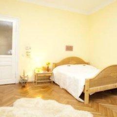 Отель Your sunny, central and quiet home Австрия, Вена - отзывы, цены и фото номеров - забронировать отель Your sunny, central and quiet home онлайн сейф в номере