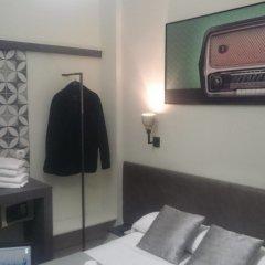 Отель Central Station Valencia Валенсия сейф в номере