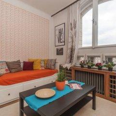 Апартаменты Velvet Revolution Apartment комната для гостей фото 5