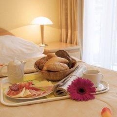 Отель Wellness Hotel Jean De Carro Чехия, Карловы Вары - отзывы, цены и фото номеров - забронировать отель Wellness Hotel Jean De Carro онлайн в номере фото 2