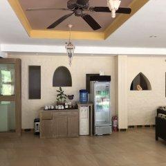 Отель Microtel by Wyndham Boracay Филиппины, остров Боракай - 1 отзыв об отеле, цены и фото номеров - забронировать отель Microtel by Wyndham Boracay онлайн интерьер отеля фото 2