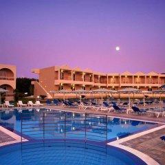 Emerald Hotel бассейн фото 3