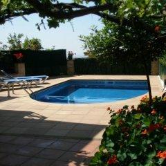 Отель Villa in Blanes - 104822 by MO Rentals Испания, Бланес - отзывы, цены и фото номеров - забронировать отель Villa in Blanes - 104822 by MO Rentals онлайн бассейн