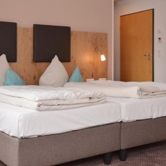 Отель Am Hachinger Bach Германия, Нойбиберг - отзывы, цены и фото номеров - забронировать отель Am Hachinger Bach онлайн сейф в номере
