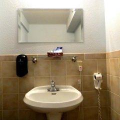 Отель Blue Moon Resort Las Vegas США, Лас-Вегас - отзывы, цены и фото номеров - забронировать отель Blue Moon Resort Las Vegas онлайн ванная