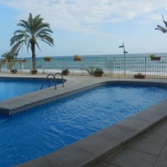 Отель Calafell Beach бассейн фото 2
