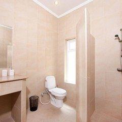Отель Villa Aromdee A ванная