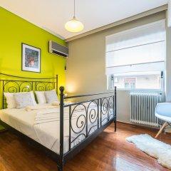 Отель Stylish Apartment with Balcony Греция, Афины - отзывы, цены и фото номеров - забронировать отель Stylish Apartment with Balcony онлайн комната для гостей фото 2