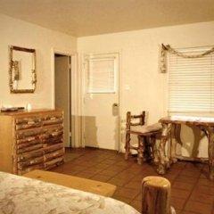 Отель Tioga Lodge at Mono Lake США, Ли Вайнинг - отзывы, цены и фото номеров - забронировать отель Tioga Lodge at Mono Lake онлайн комната для гостей